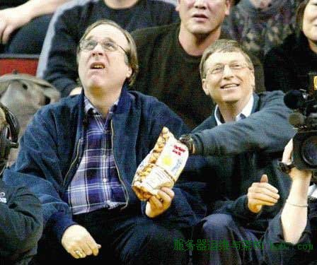 2003年,盖茨和老搭档艾伦在NBA现场看球赛。 谋万世全局者