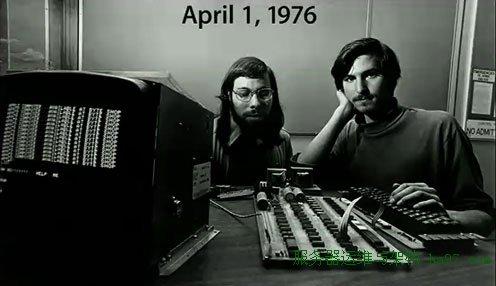 名称:  1976-4-1 jobs-apple-.jpg  查看次数: 2275  文件大小:  27.9 KB
