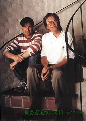1991年,乔布斯和盖茨交谈  谋万世全局者